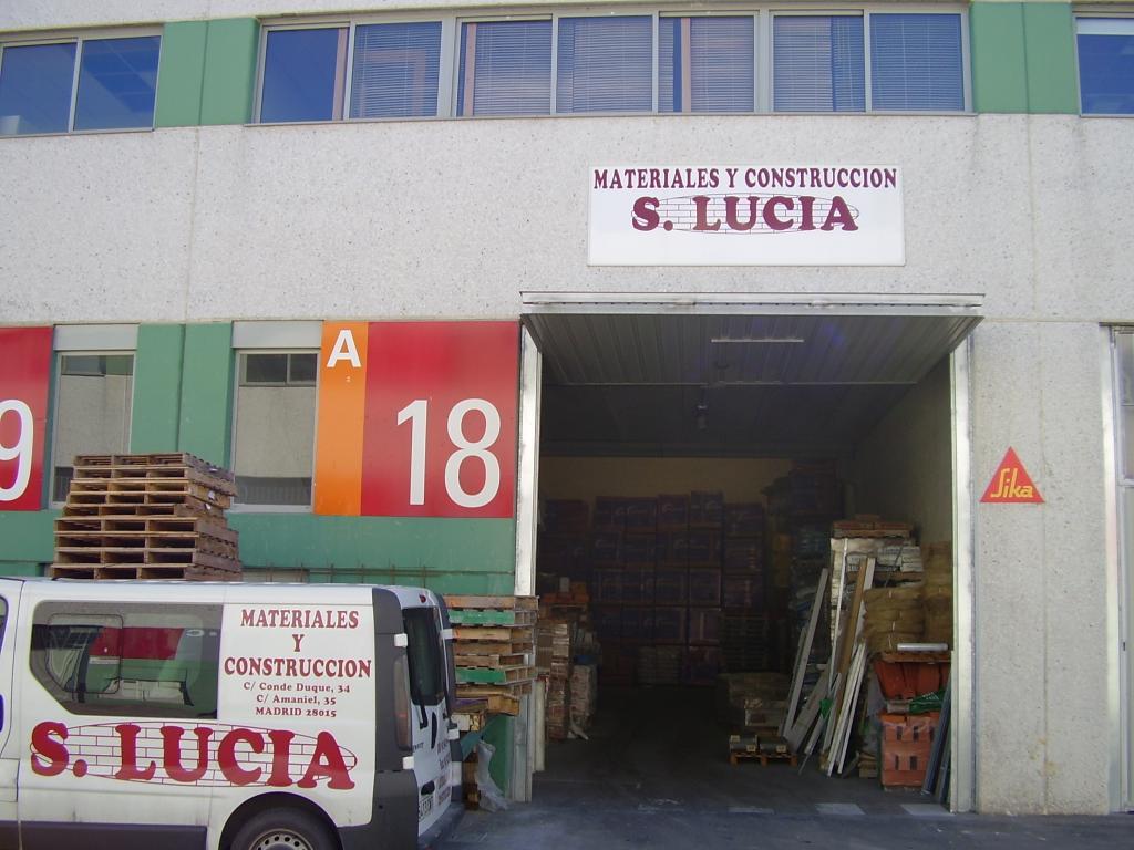 Almacén de construcción en Madrid
